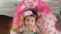 <p>Aih manis banget sih bayi perempuan kesayangan Bunda Aya dan Ayah Andi ini. (Foto: Instagram/@andisorayabeatrix)</p>
