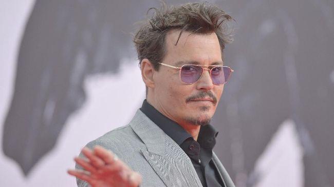 Johnny Depp mengaku kehilangan ujung jarinya pada Maret 2015 karena pertengkaran dengan mantan istrinya, Amber Heard.