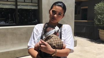 Cerita Kylie Jenner yang Tak Lagi Posting Foto si Kecil di Medsos