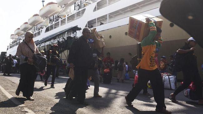 Pelni menyebut kerugian akan dipicu kebijakan pembatasan penumpang yang dilakukan demi menghentikan penyebaran virus corona.