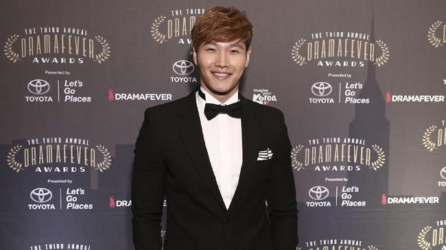 Penyanyi sekaligus bintang 'Running Man' Kim Jong Kook mengaku ingin segera menikah, mengingat usianya yang kini sudah menginjak 42 tahun.