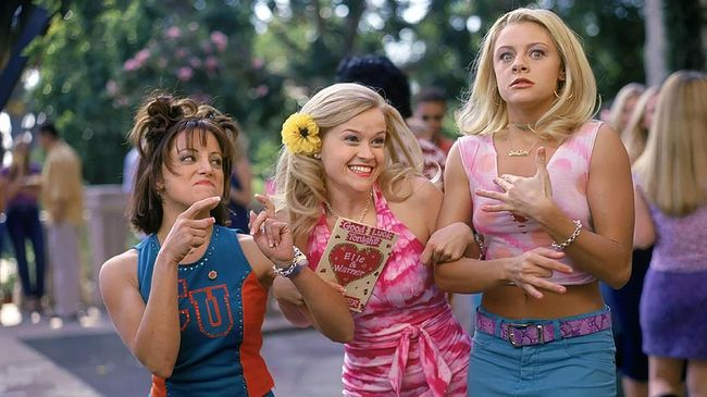 Berbagai emosi tertumpah dalam reuni virtual para pemeran Legally Blonde pada Senin (20/10), sekitar 20 tahun setelah film itu diproduksi.