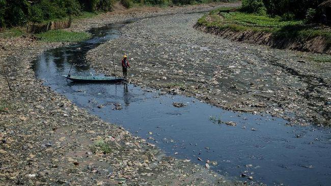 Ahli telah berhasil lakukan percobaan untuk mengubah limbah plastik mikro menjadi air dan gas karbondioksida.