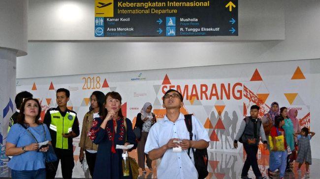 Bandara Ahmad Yani akan kembali dibuka besok. Hari ini karena banjir bandara internasional di Semarang itu tutup total.