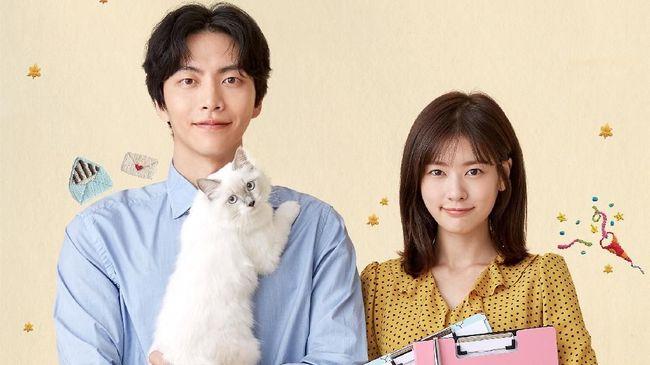 Drama Korea Because This is My First Life adalah serial yang dibintangi oleh Lee Min-ki dan Jung So-min. Berikut sinopsisnya.