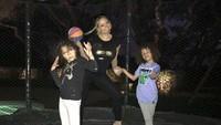 <p>Menghabiskan waktu bareng anak dengan main basket, kenapa nggak? (Foto: Instagram/ @mariahcarey) </p>