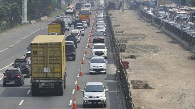 Sedikitnya 12 JPO yang melintang di ruas tol wilayah Bekasi dan sekitarnya bakal dijaga polisi pasca insiden pelemparan batu di tol Cikampek.