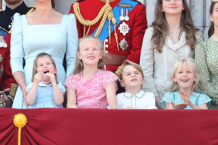 Putri Charlotte dan Pangeran George serta sepupu-sepupunya menghadiri peringatan ulang tahun Ratu Elizabeth. Ekspresinya menggemaskan!