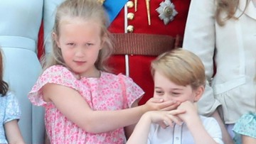 Momen Lucu Ketika Mulut Pangeran George Ditutup Sepupunya