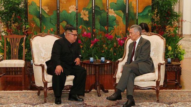 PM Singapura Lee Hsien Loong meyakini perdagangan antara Singapura dan Korea Utara bisa kembali tumbuh jika PBB mencabut sanksi soal program nuklir Korea Utara.