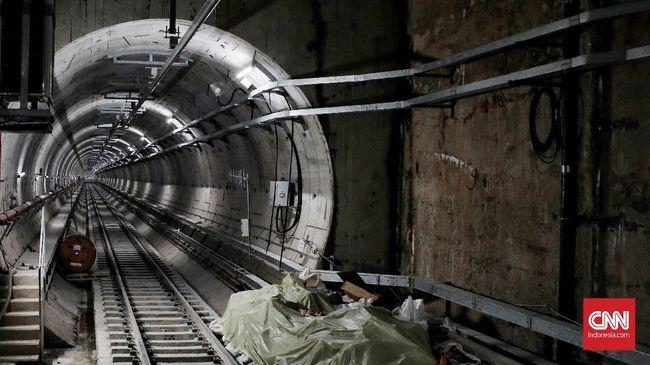 Menteri Perencanaan Pembangunan Nasional (PPN)/Bappenas Bambang Brodjonegoro ingin pembangunan MRT diteruskan ke Tangerang Selatan.
