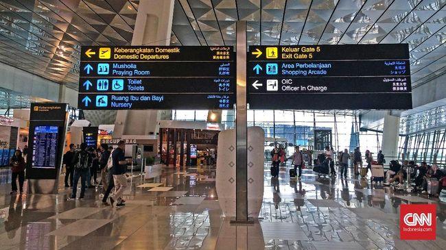 Data AP II menunjukkan, penumpang mudik dan balik di Bandara Soekarno Hatta terdistribusi rata akibat cuti bersama ditambah pemerintah menjadi 10 hari.