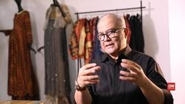 VIDEO: Jejak Langkah Itang Yunasz di Dunia Mode