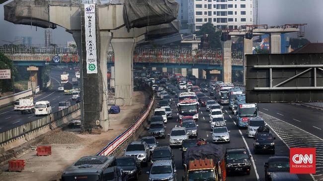 Lebih dari 400 ribu kendaraan memasuki Jakarta hingga H+3 Lebaran pukul 17.30 WIB. Jumlah itu diprediksi akan terus bertambah.