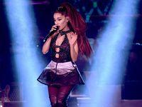 Surprise! Ariana Grande Jadi Member Dadakan Boyband Cilik Filipina