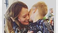 <p>Melihat potret kedekatan Luca dan Hilary bikin hati ini adem. (Foto: Instagram/hilaryduff)</p>