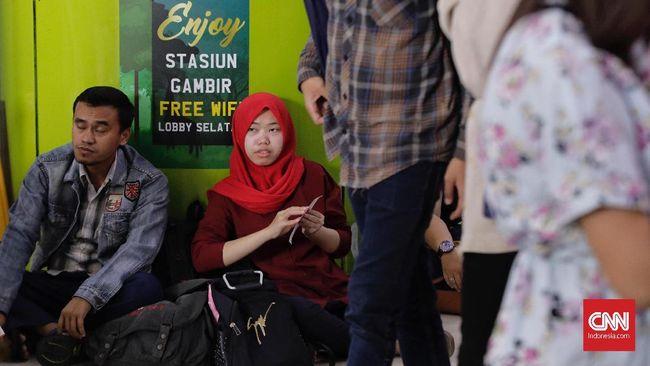Kementerian Perhubungan menyatakan layanan kereta jarak jauh akan dipindah dari Stasiun Gambir ke Stasiun Manggarai pada 2021 mendatang.