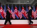 FOTO: Pertemuan Bersejarah Donald Trump dan Kim Jong-un