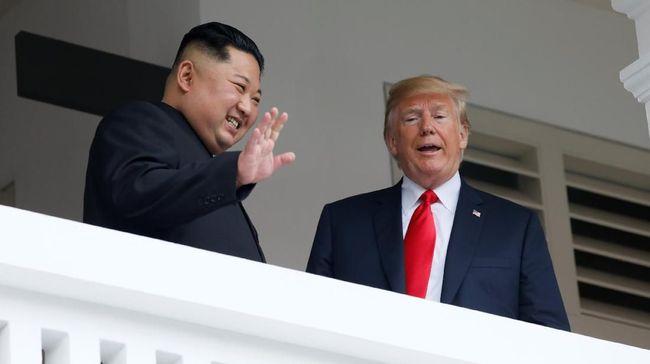 Pertemuan Presiden Amerika Serikat Donald Trump dan pemimpin Korea Utara Kim Jong-un di Singapura mengundang berbagai reaksi netizen dari seluruh penjuru dunia.