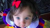 <p>Nah, inilah Snow White bermata biru. Cute banget! (Foto: Instagram/@logan_and_leilani) </p>