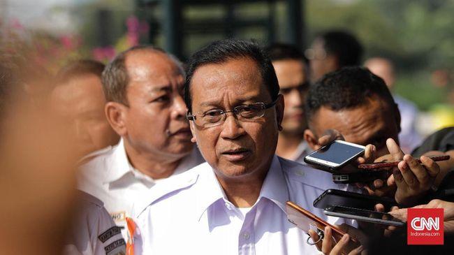 Dirut KAI Edi Sukmoro menanggapi beredarnya video saat ia memantau kondisi banjir di atas rakit.