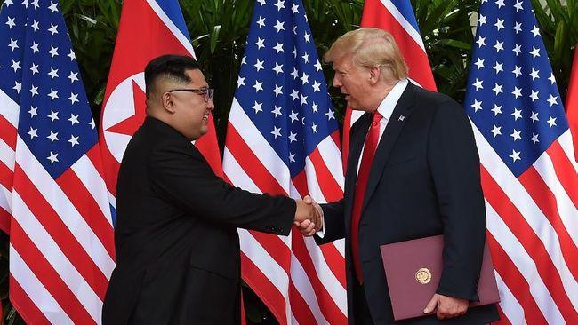 Para pesohor Korea Selatan menyampaikan respons terkait pertemuan bersejarah antara Presiden AS Donald Trump dan pemimpin Korea Utara Kim Jong Un di Singapura.