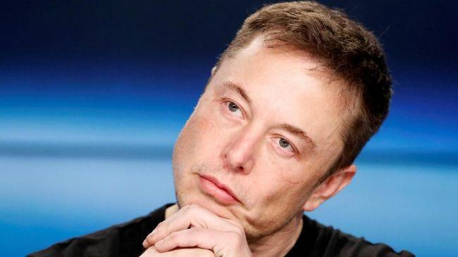 Perusahaan SpaceX milik Elon Musk dikabarkan menunda pengiriman manusia untuk pelesir ke bulan.