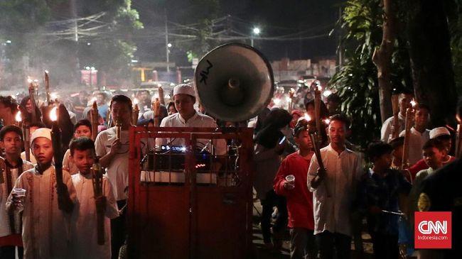 Polisi akan memantau ketat ruas jalan Jakarta di malam jelang Idulfitri.