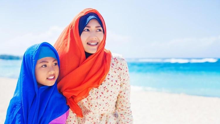 Saat anak bertanya 'Idul Fitri' itu apa sih, Bun, artinya?', hmm, gimana ya cara kita menjelaskannya?