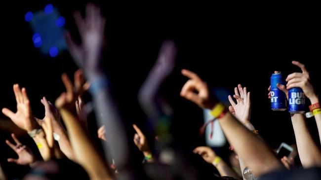 Firefly Music Festival kembali digelar dan menjadi tempat berpesta bagi para pencinta musik di Delaware, Amerika Serikat, 14 hingga 17 Juni.