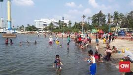 Libur Lebaran, Ancol Siagakan 266 Petugas Keamanan di Pantai