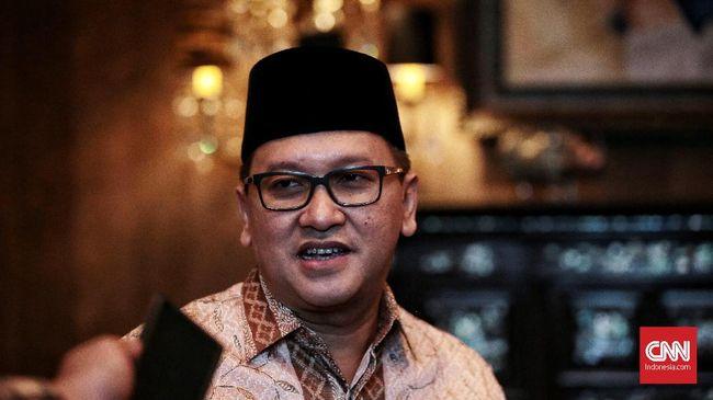 Kadin Indonesia meminta pemerintah mengkaji kembali besaran Bea Masuk impor teh berkualitas rendah. Hal itu dilakukan untuk mendorong industri teh nasional.