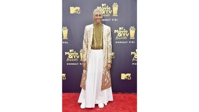Ajang MTV Awards 2018 diwarnai dengan selebriti-selebriti yang memakai gaun-gaun terbaiknya. Berikut selebriti bergaun terbaik di MTV awards 2018.
