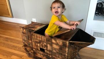 Keren! Ayah Ini Bikin Peralatan Bertema Star Wars untuk si Kecil