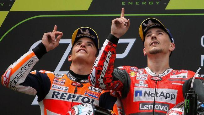 Jorge Lorenzo mengakui adanya perubahan dalam diri Marc Marquez dalam menjalani balapan MotoGP. Marquez disebut lebih dewasa saat ini.