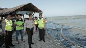 Libur Lebaran, Polisi Patroli Wisata Mangrove Wonorejo
