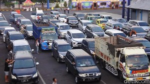 H+3, Penumpang Pelabuhan Ketapang Capai 74.968 Orang