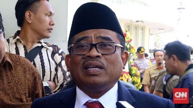 Pj Gubernur Sulsel Sumarsono menyebutkan uang Rp30 miliar di KM Lestari Maju sudah dievakuasi ke daratan. Gaji untuk ASN di Selayar diperkirakan telat.