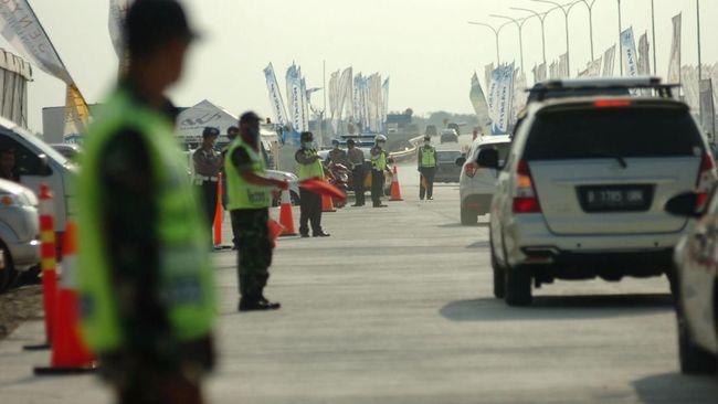 Polisi akan menerapkan skema buka tutup di rest area Tol Cikampek untuk mengantisipasi kepadatan selama libur panjang 28 Oktober-1 November.
