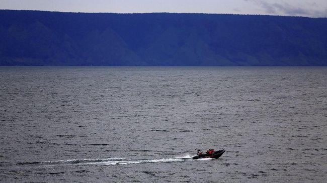 Kapal Motor Orange yang mengakut rombongan dari tim Pusat Study Satwa Primata IPB Bogor terbalik dan tenggelam di perairan Cikeruh Wetan, Lebak, Banten.