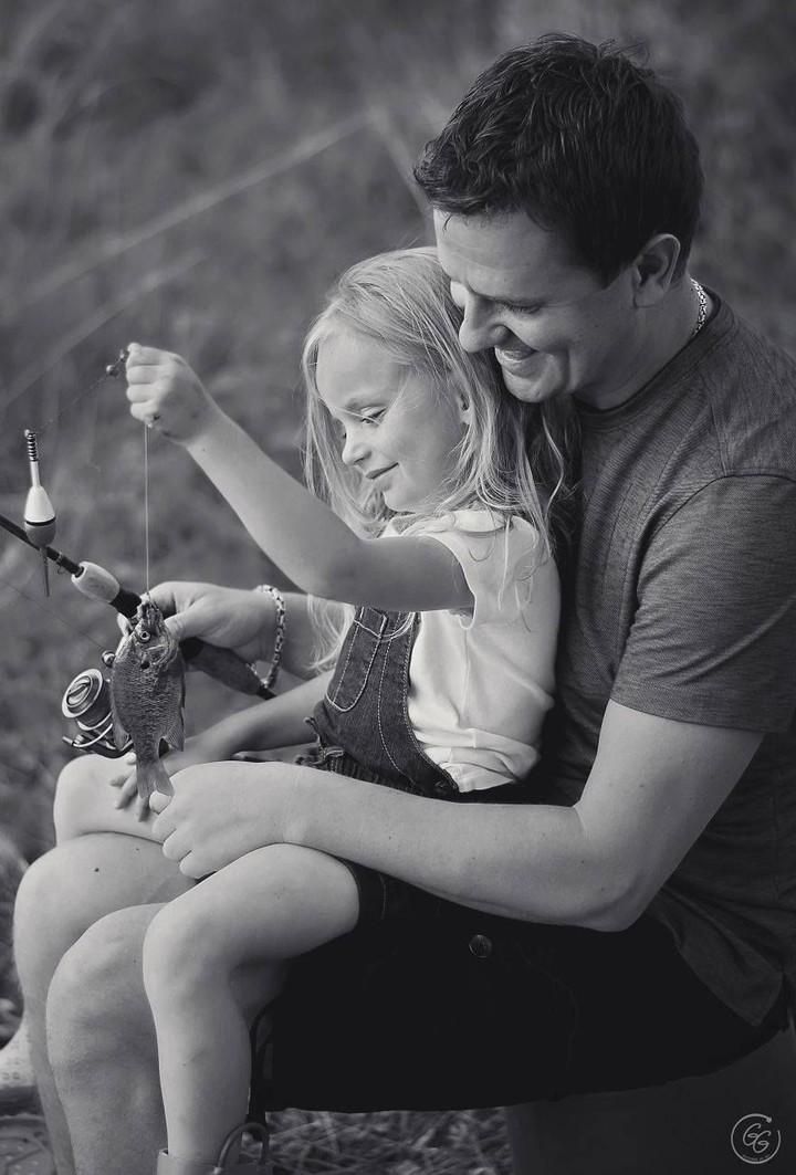 Kumpulan foto-foto ini mengingatkan kita semua bahwa sosok ayah sangat berarti bagi si kecil.