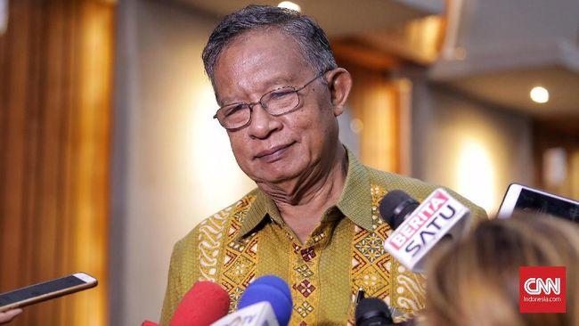 Menteri Koordinator Bidang Perekonomian Darmin Nasution menilai masih ada ruang untuk tidak mengerek suku bunga kredit di tengah kenaikan suku bunga acuan BI.