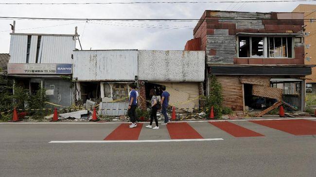 Pemerintah Jepang mengizinkan penduduk di sekitar PLTN Fukushima kembali, setelah delapan tahun mengungsi karena kebocoran radiasi nuklir.