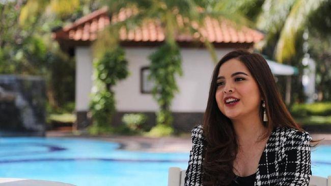 Mantan penyanyi cilik, Tasya Kamila, mengungkapkan kanker kelenjar getah bening yang diidap suaminya sejak beberapa bulan yang lalu.