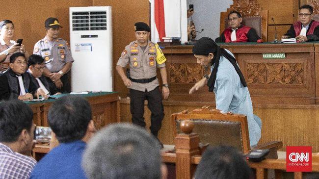 Aman Abdurrahman sempat berpesan kepada pengacaranya agar eksekusi mati dilakukan secepatnya. Pesan itu diungkapkan Aman sebelum sidang vonis.