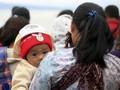 FOTO : Penantian Keluarga Penumpang KM Sinar Bangun