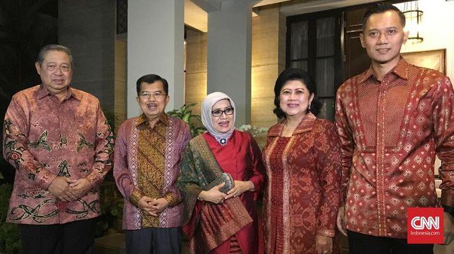 Wapres Jusuf Kalla masih belum mau berkomentar soal wacana duet bareng Agus Harimurti Yudhoyono di Pilpres 2019.