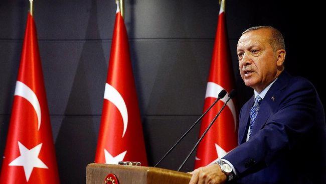 Presiden Turki, Recep Tayyip Erdogan, menyatakan pembelian rudal S-400 dari Rusia terkait pertahanan dan kedaulatan yang tidak bisa ditawar.