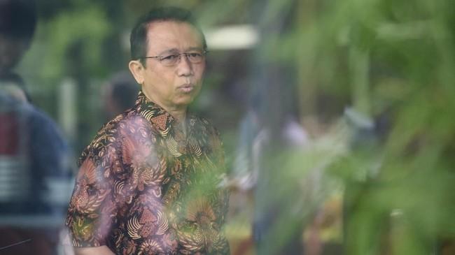 Wasekjen Demokrat Cegat Marzuki Alie di Bandara Kualanamu
