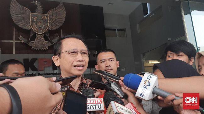 Mantan Ketua DPR Marzuki Alie menyatakan tidak pernah tahu soal aliran dana korupsi e-KTP kepada sejawatnya di Partai Demokrat.